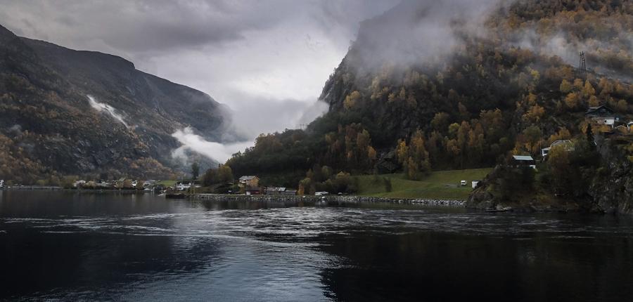 Le long du Nærøyfjord, Norvège