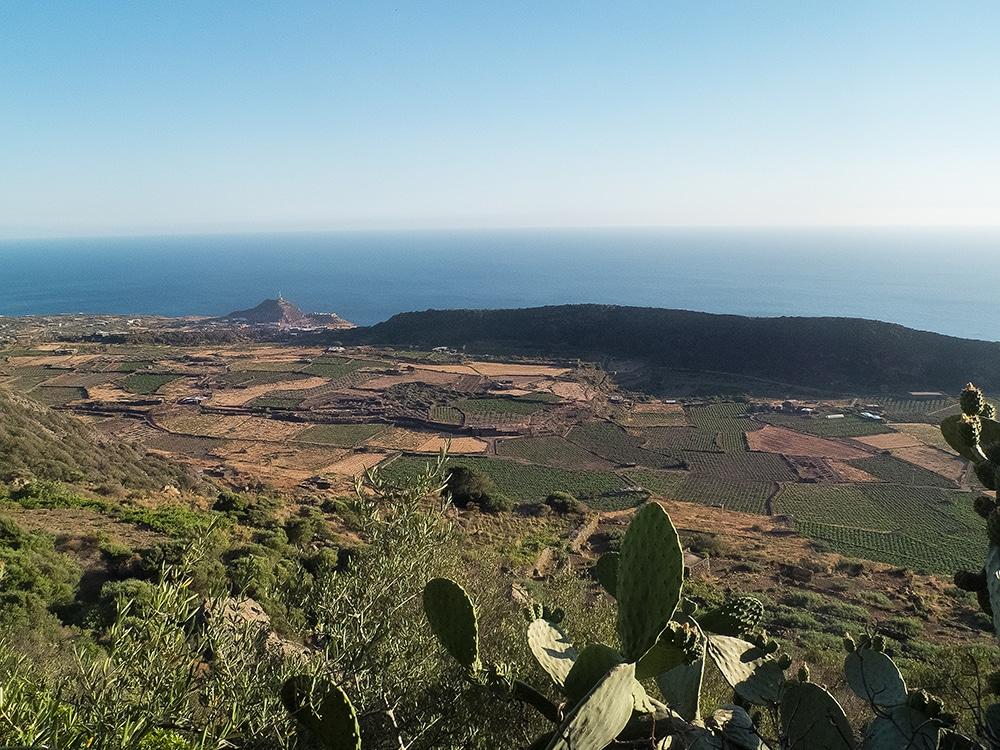 la grotte de Benikulà à Pantelleria