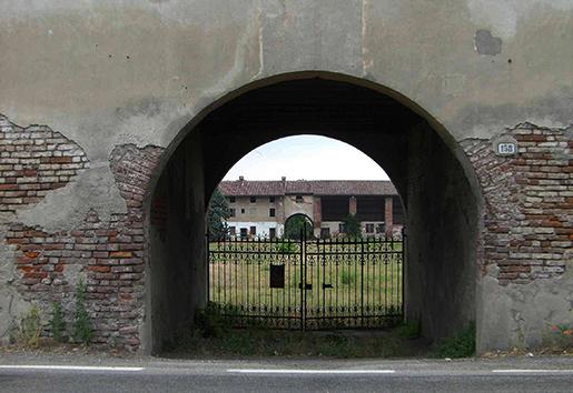 Un des entrées de la Sforzesca à Vigevano