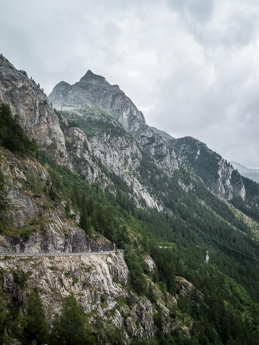 Vue depuis la cascade du Toce, la plus puissante des Alpes